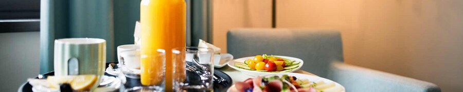 Hotels with Room Service